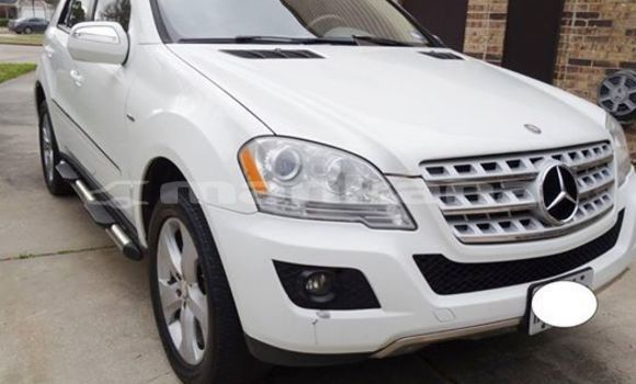 Buy Used Mercedes‒Benz ML–Class White Car in Tbilisi in Tbilisi