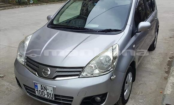 Buy Used Nissan Note Silver Car in Kutaisi in Imereti