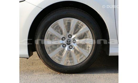Buy Import Toyota Camry White Car in Import - Dubai in Abhasia