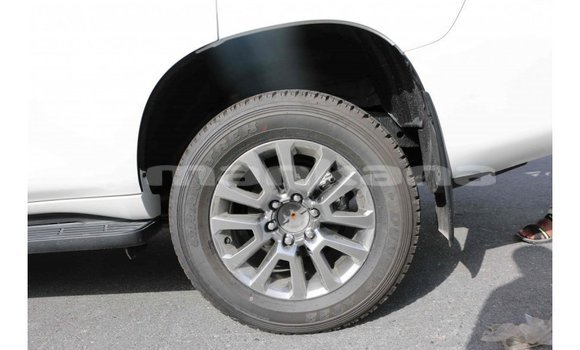 Buy Import Toyota Prado White Car in Import - Dubai in Abhasia