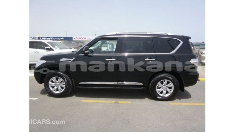 Big with watermark nissan patrol abhasia import dubai 2553