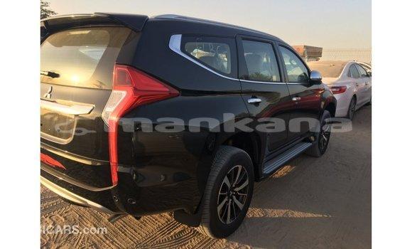 Buy Import Mitsubishi Montero Black Car in Import - Dubai in Abhasia