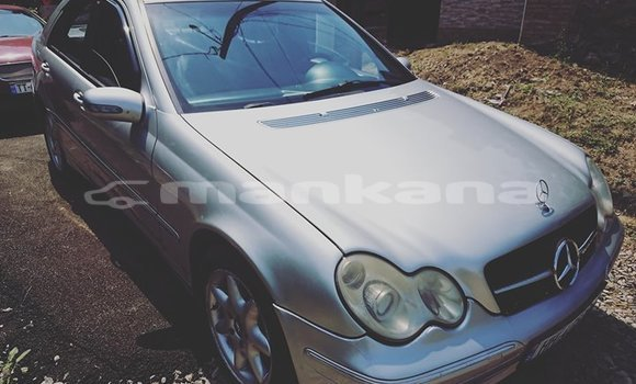 Buy Used Mercedes‒Benz C–Class Silver Car in Tbilisi in Tbilisi