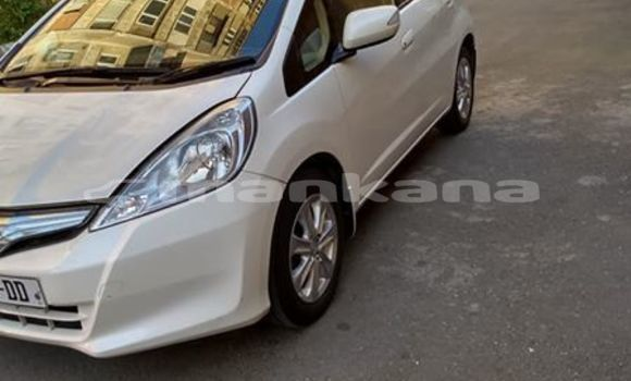 Buy Used Honda FIT White Car in Tbilisi in Tbilisi