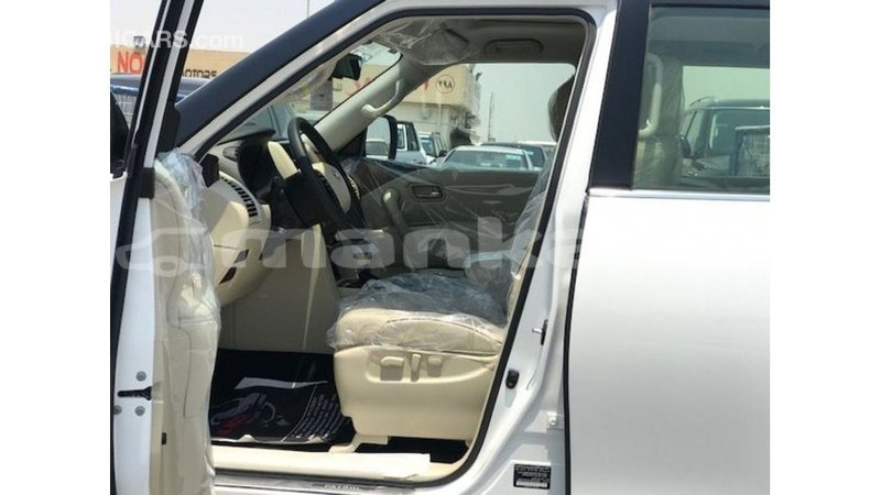 Big with watermark nissan patrol abhasia import dubai 3886