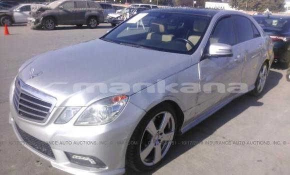 Buy Used Mercedes‒Benz E–Class Silver Car in Tbilisi in Tbilisi