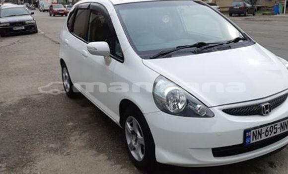 Buy Used Honda FIT White Car in Kutaisi in Imereti