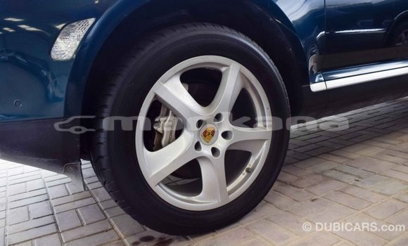 Buy Import Porsche Cayenne Green Car in Import - Dubai in Abhasia