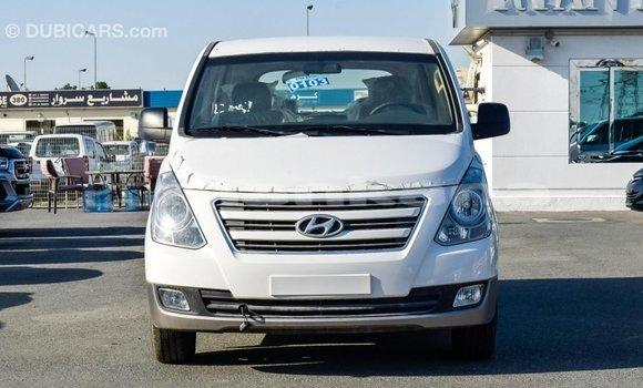 Buy Import Hyundai Accent White Car in Import - Dubai in Abhasia