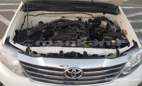 Buy Import Toyota Fortuner White Car in Import - Dubai in Abhasia