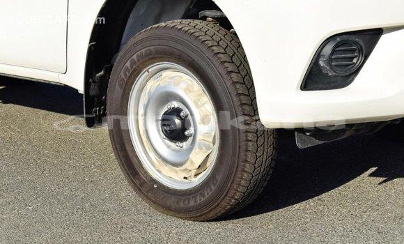 Buy Import Toyota Hilux White Car in Import - Dubai in Abhasia