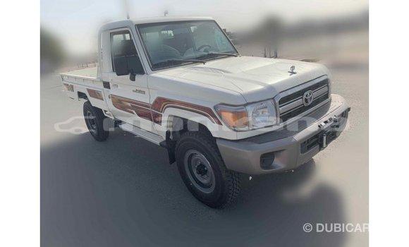 Buy Import Toyota Land Cruiser White Car in Import - Dubai in Abhasia