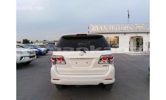 Buy Import Toyota Fortuner White Car in Import - Dubai in Abhasia
