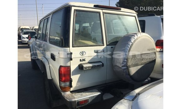 Buy Import Toyota Land Cruiser White Car in Import - Dubai in Abhasia
