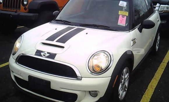 Buy Used Mini Cooper White Car in Tbilisi in Tbilisi