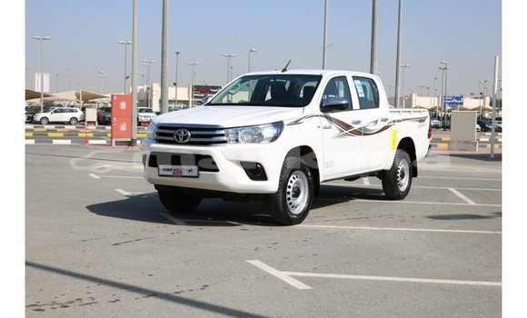 Buy Import Toyota Hilux White Car in Import - Dubai in Abhasia